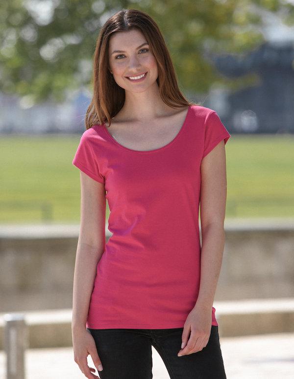 Naisten pyöreäkauluksinen T-paita